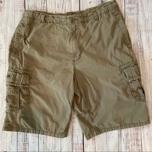 Nike Men's Olive Cotton Cargo Shorts. Size XL.